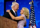 Người vợ được Joe Biden năm lần cầu hôn mới thành công