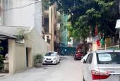 Nhà Láng Thượng, 3 mặt thoáng, mặt tiền rộng, ô tô đỗ gần nhà.